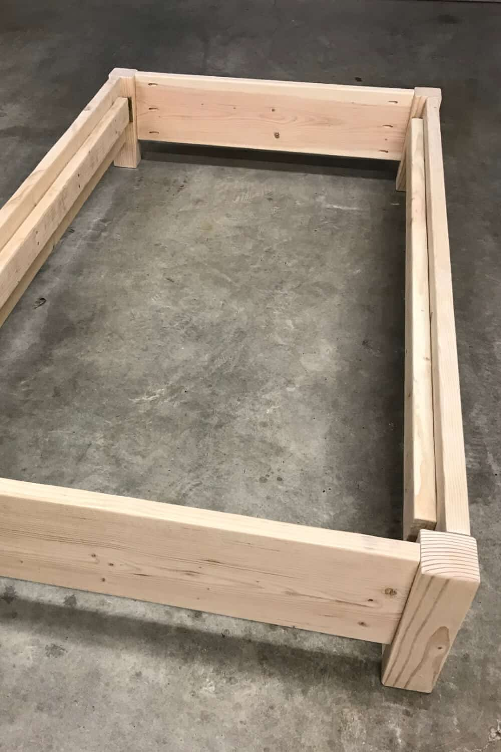 How To Build A Twin Platform Bed Sunshine And Rainy Days