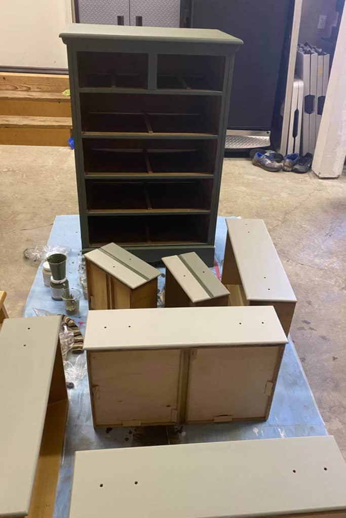 Painting chest of drawers with mineral paint.